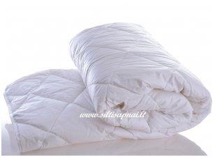 Vaikiška antklodė su skalbiamos avių vilnos užpildu 600g/m2
