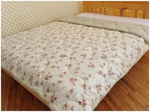 Universali 200x220 cm antklodė su vilnos ir poliesterio užpildu užpildu 450g/m2