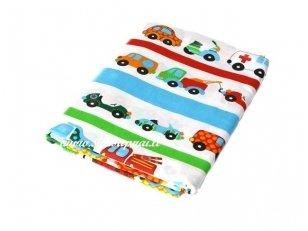 """Vaikiška medvilninė paklodė su guma """"Žaismingos mašinėlės"""" (60x120 cm)"""