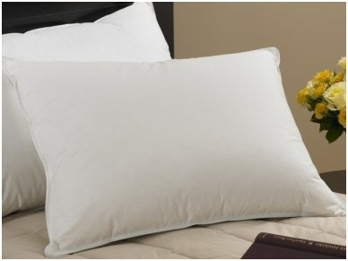 Mikro pūko kamuoliukais užpildyta pagalvė VERNA