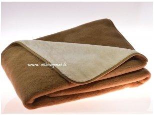 """Kupranugarių vilnos antklodė """"Camel"""""""