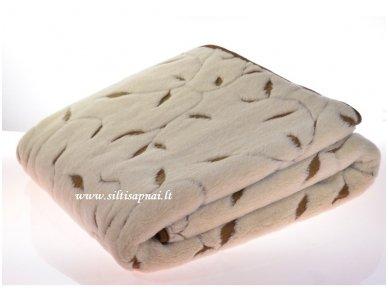 """Kupranugarių vilnos antklodė """"Nefertitė"""" 2"""
