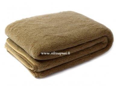 """Kupranugarių vilnos antklodė-pledas """"Camel"""""""