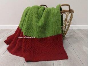"""Megztas merinosų vilnos pledas """"Elegancija"""" (žalias su raudonu)"""