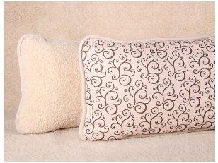 """Merinosų vilnos pagalvė """"Migdolas"""" 35x55 cm"""