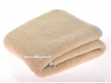 """Kupranugarių vilnos antklodė-pledas """"Sahara"""""""