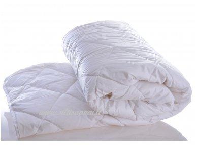 Nukainota žieminė antklodė su skalbiamos vilnos užpildu 500g/m2