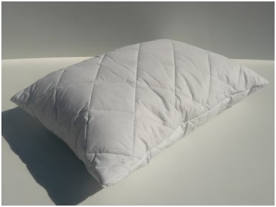 """Antialerginė pagalvė su poliesterio kamuoliukų užpildu """"Silva"""""""
