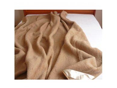 """Kupranugarių vilnos antklodė-pledas """"Camel"""" 2"""