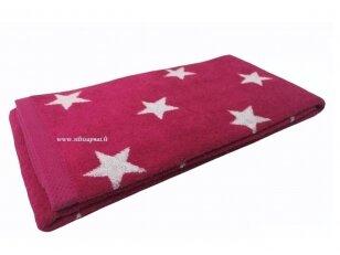 """NUKAINOTAS šukuotinės medvilnės rankšluostis """"Stars"""" (fuchsia) 50x100 cm. Nukainavimo priežastis - parduodami paskutiniai vienetai."""