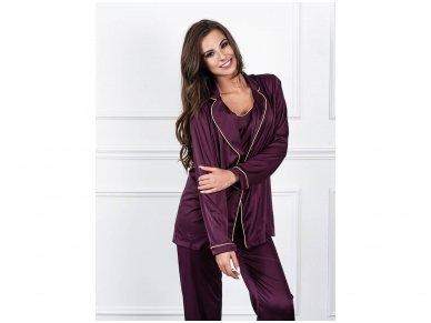 Trijų dalių pižama su kelnėmis iš Armani šilko, baklažaninė