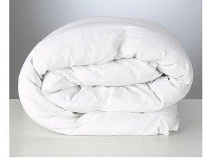 """NUKAINOTA vaikiška antialerginė žieminė antklodė su mikro poliesterio pūko užpildu """"Nora"""". NUKAINAVIMO PRIEŽASTIS - antklodė iš ekspozicijos su nežymiais patepimais"""