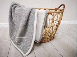 """Vaikiškas megztas merinosų vilnos pledas """"Saldus miegelis"""" (100x130 cm)"""