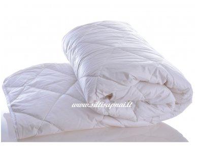Vaikiška vasarinė antklodė su skalbiamos avių vilnos užpildu 250g/m2