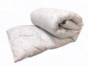 Žieminė žąsų 90%  pūkų - 10% plunksnų užpildo antklodė (200x220 cm)